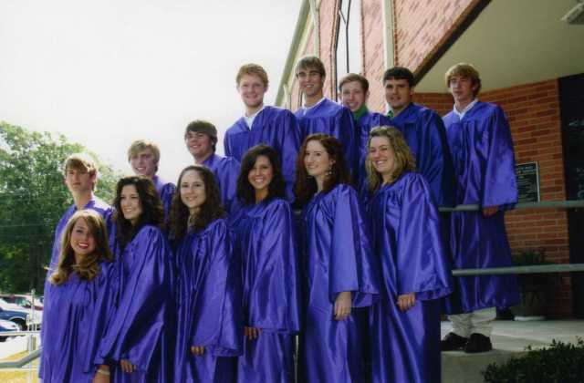 FUMC Senior Class of 2006.  None of them had their honor cords  or neck sashes on because they hadn't arrived yet.
