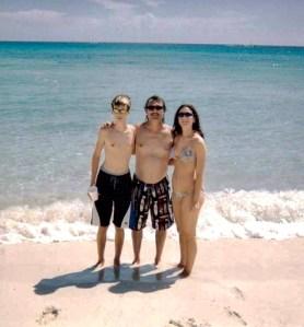 Taylor, Bryan & Lauren Cozumel, Mexico in 2004